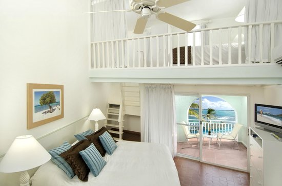 Oyster Bay Beach Resort: Duplex room loft
