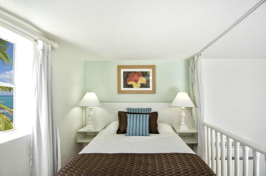 Oyster Bay Beach Resort: Loft duplex room