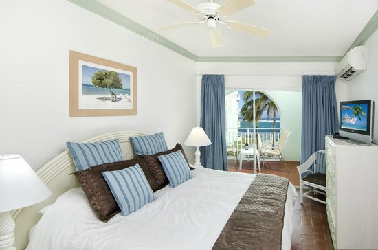 Oyster Bay Beach Resort: Superior room