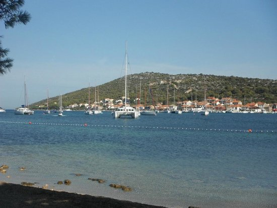 Liberty Restaurant & Lounge Bar: Die Bucht von Kaprije