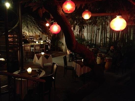 4 Restaurant : number Four