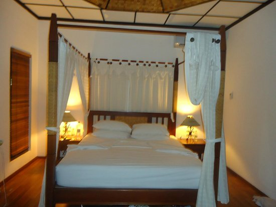 Bandos Maldives: Lovely bed
