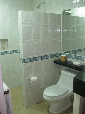 Riviera Maya Suites: Baño