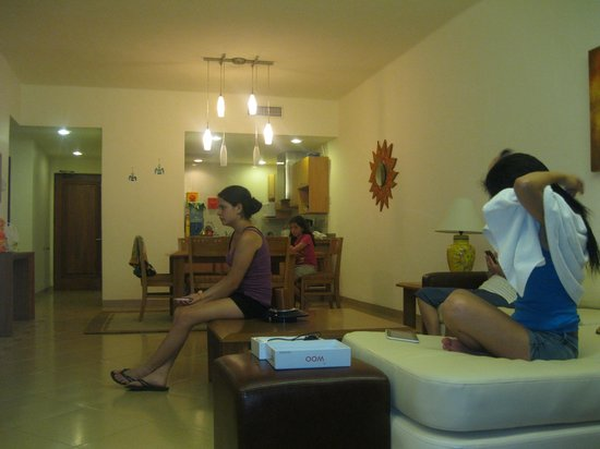 Riviera Maya Suites: Sala de estar