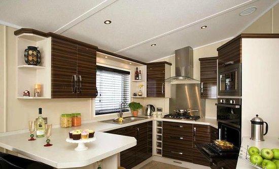 Hunters Quay Holiday Village : Kitchen