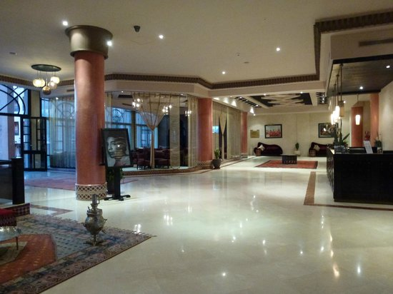 Zalagh Kasbah Hotel and Spa: Reception area