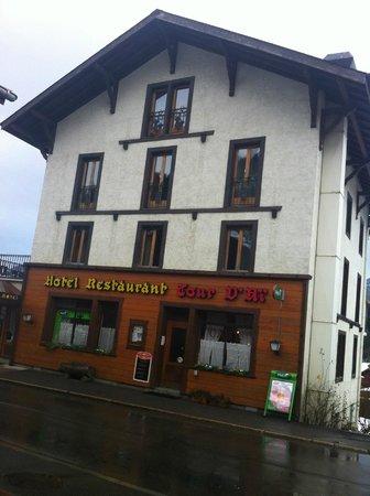 Hotel La Tour d'Ai: desde el frente del hotel