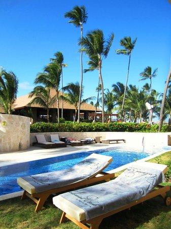 Majestic Colonial Punta Cana: Notre lieu de détente vers 15h, piscine du club