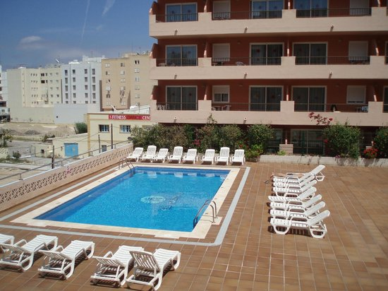 El Puerto Hotel Apartments : Piscina