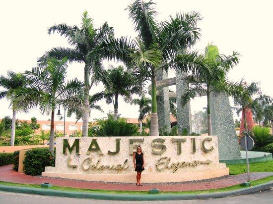 Majestic Colonial Punta Cana: Entrée principale du site: Colonial et Élégance