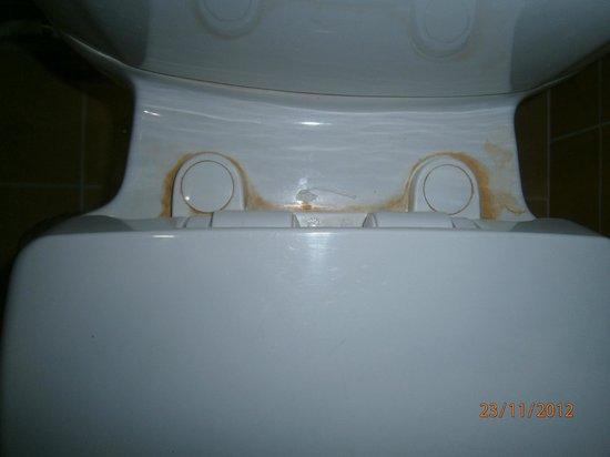 Narawan Hotel Hua Hin: Toilet Pan