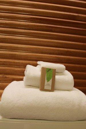 Klaus K Hotel: Elegant Bathroom