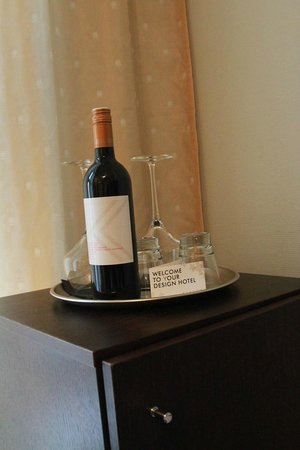 Klaus K Hotel: Klaus K own Wine