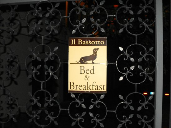 Il Bassotto Pompei Bed and Breakfast