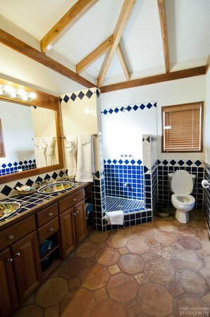 Belizean Dreams Resort: Bathroom
