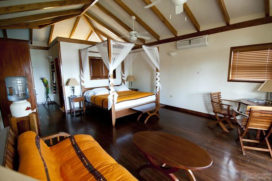 Belizean Dreams Resort: Inside our room