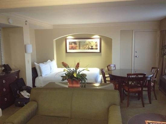 Rosen Centre Hotel: VIP suite with fold in bed