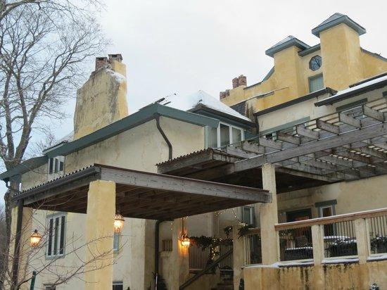 Tamaracks Country Villa : Portico Enterance