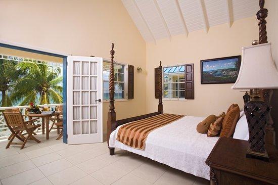 Villa Beach Cottages - Deluxe Two Bedroom Villa Suite -Bedroom