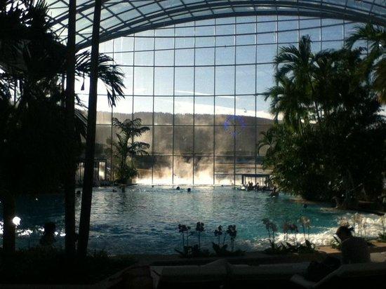 Tr s grande piscine photo de baden paradies schwarzwald for Piscine badeparadies