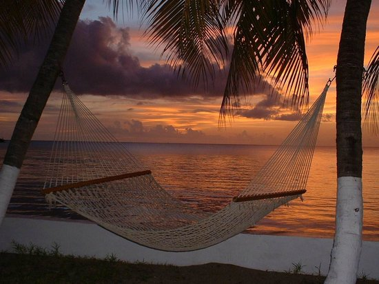 فيلا بيتش كوتيدجيز: Sunset and a hamock