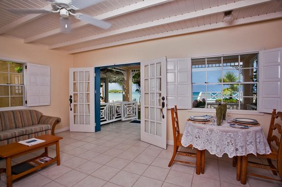 Villa Beach Cottages: Standard One Bedroom Villa Suite - Living / Dining Room