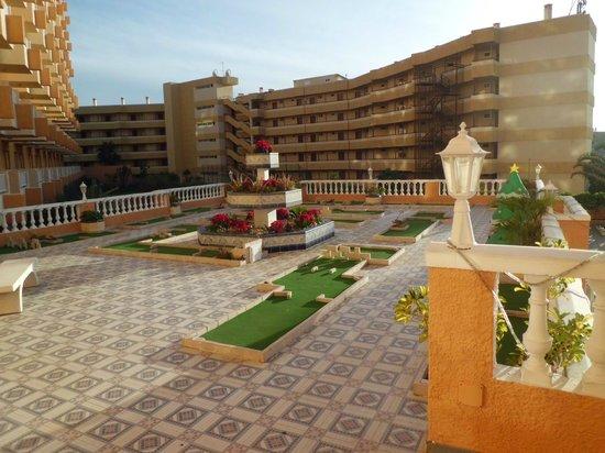 Terraza picture of apartamentos caribe playa de las for Apartamento caribe tenerife