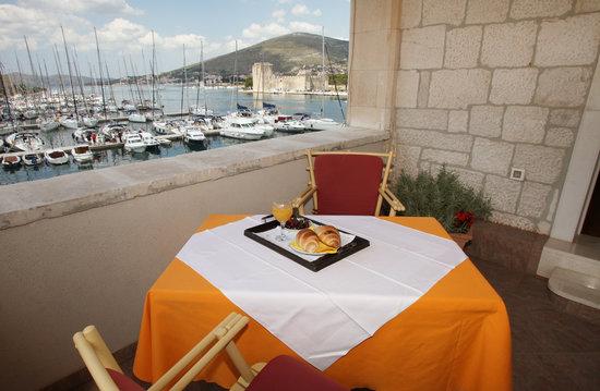 Villa Moretti: terrace