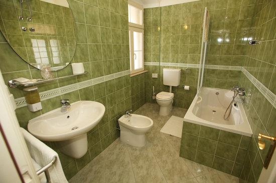 Villa Moretti: bathroom