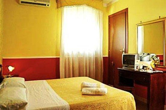 Green Park Hotel: CAMERA