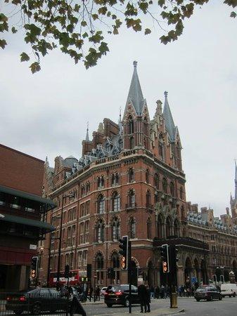 St. Pancras Renaissance London Hotel: Victorian Architecture
