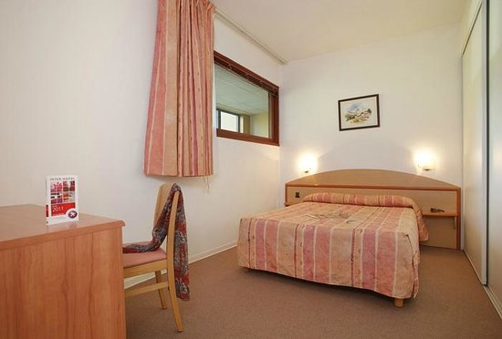 Appart hotel du parc prices reviews rouffiac tolosan for Appart hotel 41