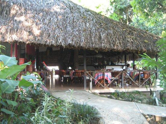 Hotel La Aldea del Halach Huinic: Restaurant auf der Hotelanlage La Aldea