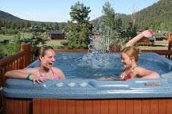 The Greer Peaks Lodge: We have HOT TUBS