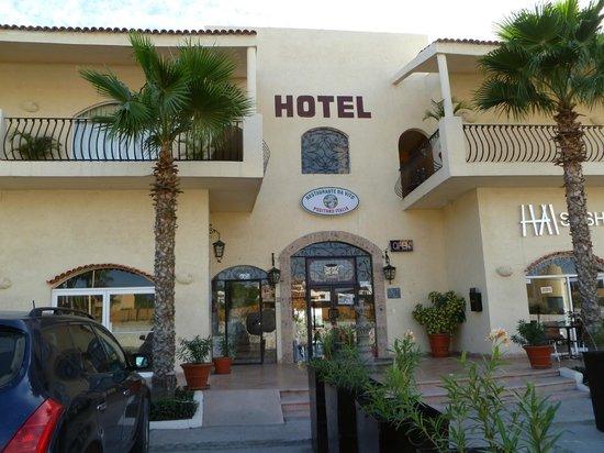Positano Hotel: Front
