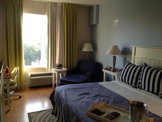 Hotel Indigo Sarasota: bedroom (401)