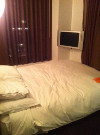 Room Mate Grace: bed kamer 1308