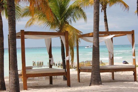 Cabañas Maria del Mar: beach