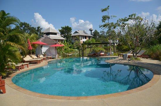 Baan Chai Thung: Poolbereich