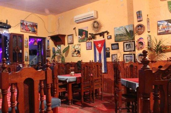 La decoraci n t pica cubana fotograf a de carlos lucia for Casa mexicana muebles