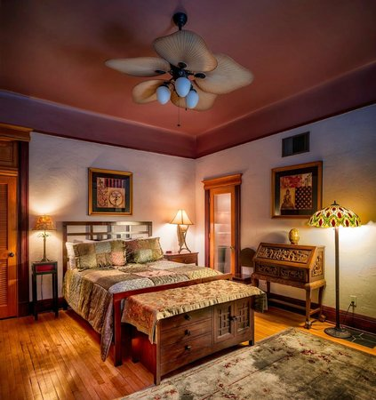 The Big Blue House Tucson Boutique inn: Zen Each suite has private entrance