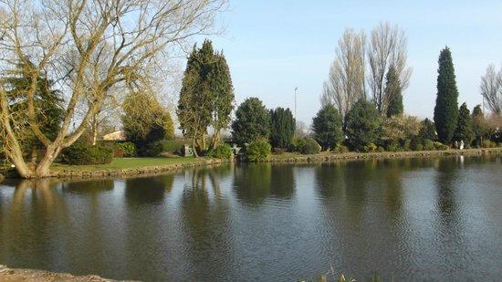 longton park lake
