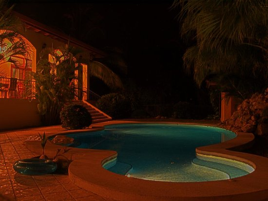 Villa Oasis at night (2 of 3)