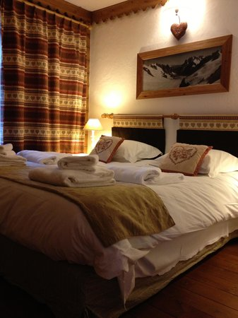 Pierre & Vacances Premium Residenz La Ginabelle: chambre confort