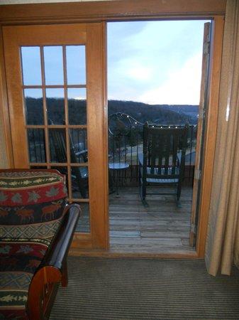 Big Cedar Lodge: View from King room in Falls Lodge
