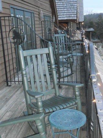 Big Cedar Lodge: Falls Lodge King Room - Deck