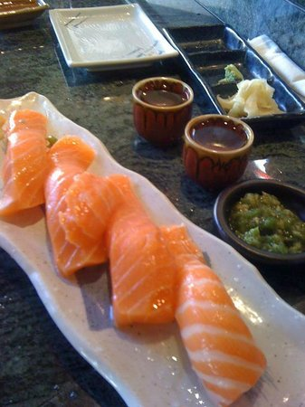Hana Sushi: Salmon with raw wasabi