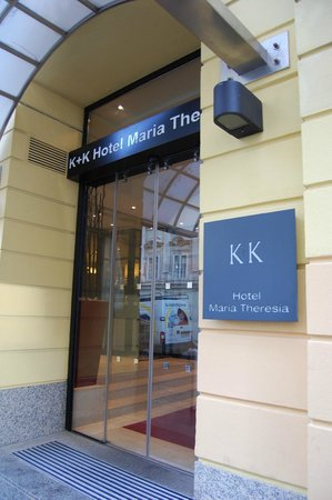 K+K Hotel Maria Theresia: Hotel Entrance