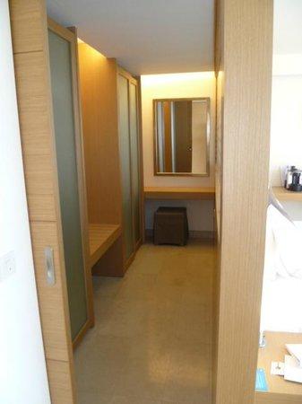 Lindos Blu: Walk in dressing room 
