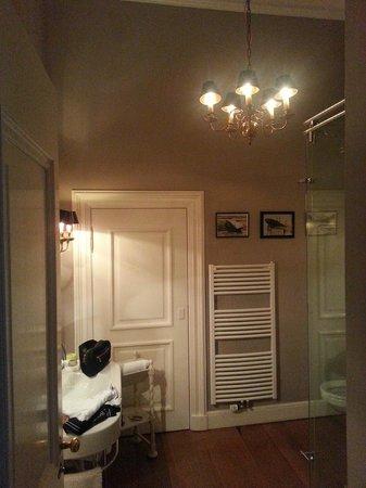 Schlosshotel Gartrop: Wonderful decorated bathroom
